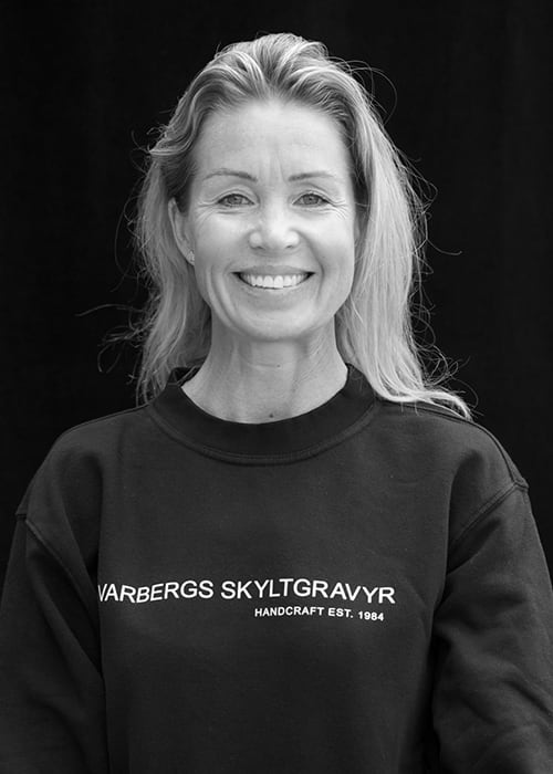 Anna Brue, Varbergs Skyltgravyr